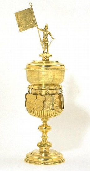 'Welcome cup', Hanover (Hannover - Altstadt), 1717, mark of Carolus Junger. Museum no. 116-1864