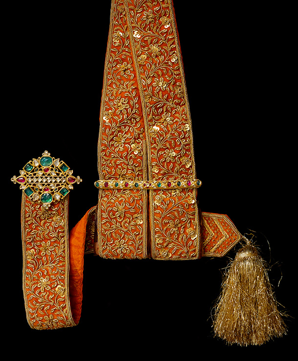 Silk sword sash with jewelled gold fittings © The Al Thani Collection