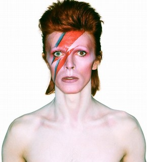 Album cover shoot for Aladdin Sane, 1973. Photograph by Brian Duffy  Duffy Archive