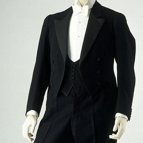 Evening dress-suit by Charles Wallis Limited, 1923, Museum no. T.232-1962