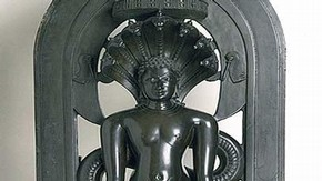 Parsvanatha with seven-hooded cobra canopy, Chakravarti Paloja, Gulbarga, southern India, 12th century. Museum no. 931(IS)