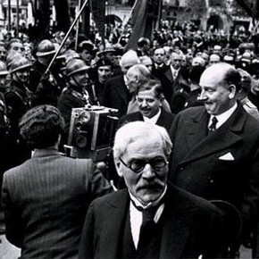 British Prime Minister Ramsay MacDonald at the Stresa Conference, by Lucien Aigner, Italy, 1935. Museum no. E.289-2003, Given by John and Judith Hillelson, © Lucien Aigner Trust