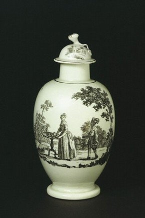 Tea canister, England, about 1768, soft-paste porcelain. Museum no. 1448(&A)-1853