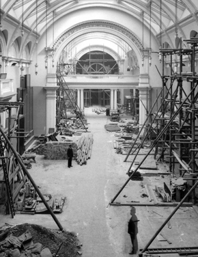 Figure 15. Gallery 50 under construction, late 1908 or early 1909. Courtesy of the Victoria and Albert Museum, London