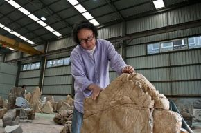 Xu Bing in his workshop, © Xu Bing Studio
