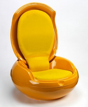 Carden Egg Chair, Peter Ghyczy, 1968. Museum no. W.8-2007