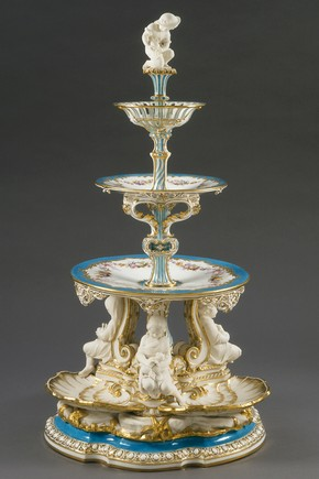 Victoria pierced centrepiece, Minton &amp; Co., 1851. Museum no. 454-1854