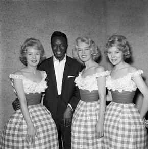 Nat King Cole with the Beverley Sisters, photography by Harry Hammond, England, 1959. Museum no. S.9185-2009