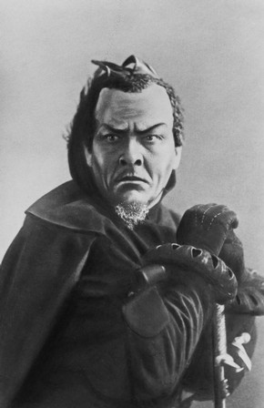 Feodor Chaliapin as Mephistopheles in Gounod's opera Faust, Bolshoi Theatre, Moscow, 1906
