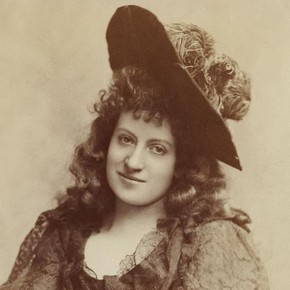 Lottie Collins, late 19th century. © Victoria and Albert Museum, London