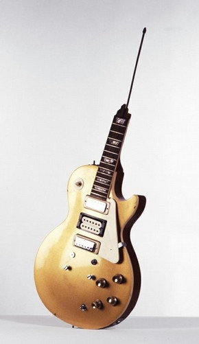 Les Paul Guitar broken by Pete Townshend, Gibson, 1960s. Museum no. S.12-1978, © V&A Images