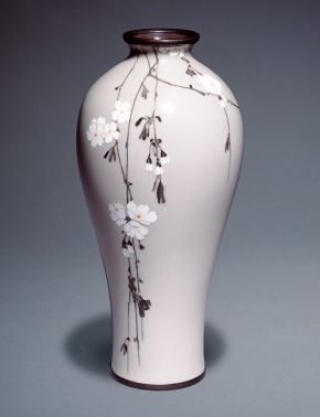 Cloisonné enamel vase decorated with hanging cherry, Namikawa Sosuke, Japan, about 1900. Museum no. FE.58:1-2011, © Victoria and Albert Museum, London