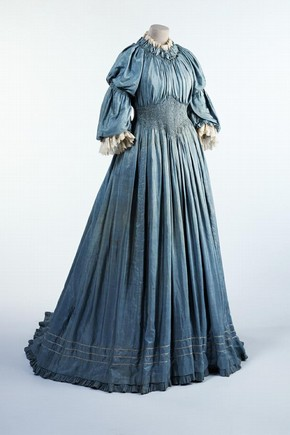 Silk dress with smocking, Liberty & Co., about 1893-94. Museum no. T.17-1985