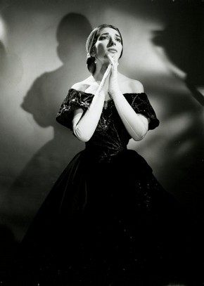 Maria Callas (1923-1977) in Verdi's opera La Traviata, Royal Opera House, Covent Garden, London, around 1958