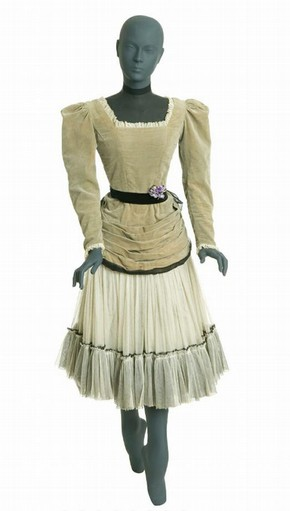 Theatre costume, Sophie Fedorovitch, 1944. Museum no. S.308-1985