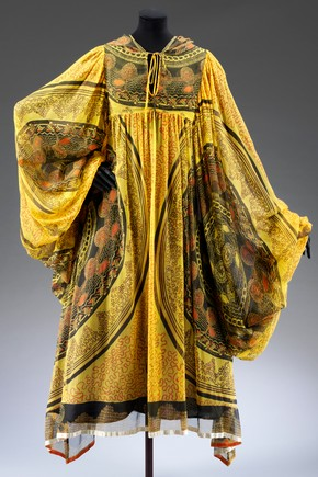 Evening coat, Zandra Rhodes, 1969. Museum no. T.356-1974