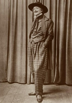 Frederick Austin as Rodolpho in Puccini's opera La Bohème, sepia-tone photograph postcard, around 1918