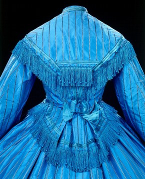 Day dress (detail), 1862, Jacquard-woven silk. Museum no. T.2&A-1984