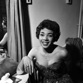 Shirley Bassey backstage, photpgraphic negative, Harry Hammond, 1959. Museum no. S.9064-2009.  Victoria and Albert Museum, London