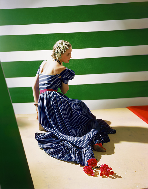 Dress by Hattie Carnegie, 1939. © Condé Nast/Horst Estate