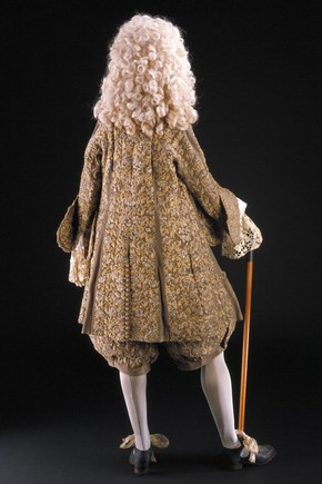 Figure 2. The wedding suit made for King James II (back). Photography by V