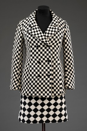 Skirt suit, Foale & Tuffin, 1964. Museum no. T.43:1, 2-2010