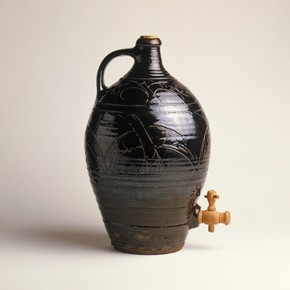 Michael Cardew, large slipware cider jar, earthenware, height 450mm, width 275mm, made at Winchcombe, about 1938. Museum no. Circ.319-1938