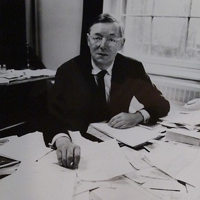 Sir John Pope-Hennessy, CBE, FBA, FSA, Director and Secretary of the Victoria and Albert Museum, 1967 – 1973. Photographer Anthony Crickmay