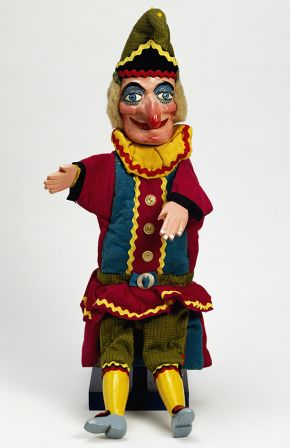 Punch puppet, Fred Tickner, about 1975. Museum no. S.554-2001. © Victoria and Albert Museum, London.