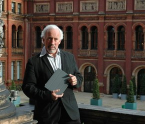 Simon Callow  Victoria & Albert Museum, London