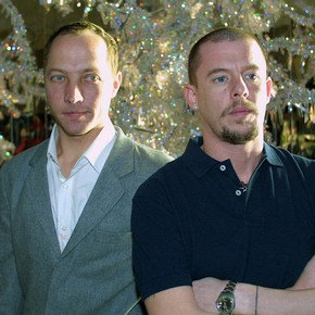Tord Boontje and Alexander McQueen in front of 'Silent Night', the V&A Christmas Tree 2003.