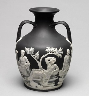 Copy of the Portland Vase, Josiah Wedgwood, 1790-5. Museum no. CIRC.732-1956.  V
