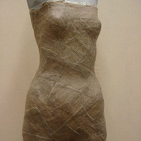 Figure 1. Mannequin figure layered with starched linen bandages (Photography by Sam Gatley)