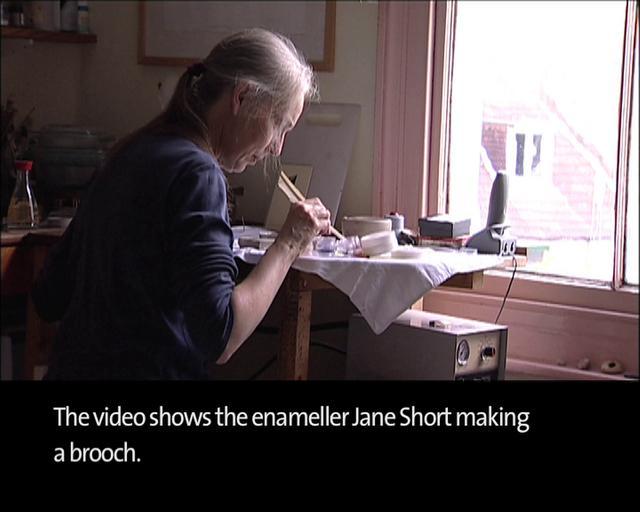 Video: Enamelling a Brooch
