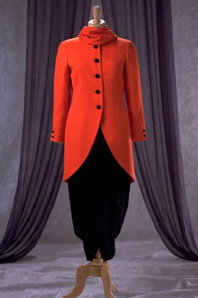 Coat, Caroline Charles, 1989. Museum no. T.249-1989