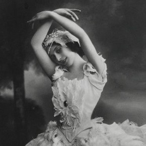 Anna Pavlova in Michel Fokine's solo The Dying Swan, 1905, postcard from a photograph by Schneider, Berlin, Germany, about 1909