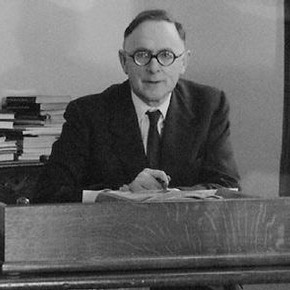 Sir Trenchard Cox, CBE, MA, FSA, FMA, Director and Secretary of the Victoria and Albert Museum, 1956 – 1966. Photographer Maurice Ambler