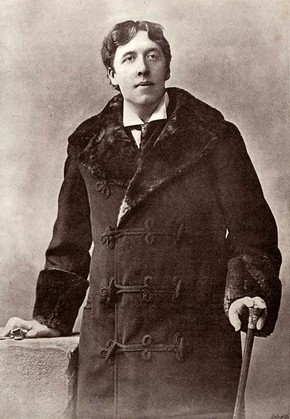 Portrait photograph of Oscar Wilde, 1895