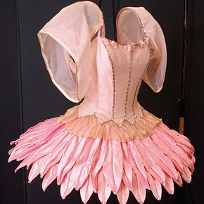 Figure 2. S.387-1985 Tutu for leading female dancer in George Balanchine's ballet 'Bugaku'. (Photography by Sam Gatley)