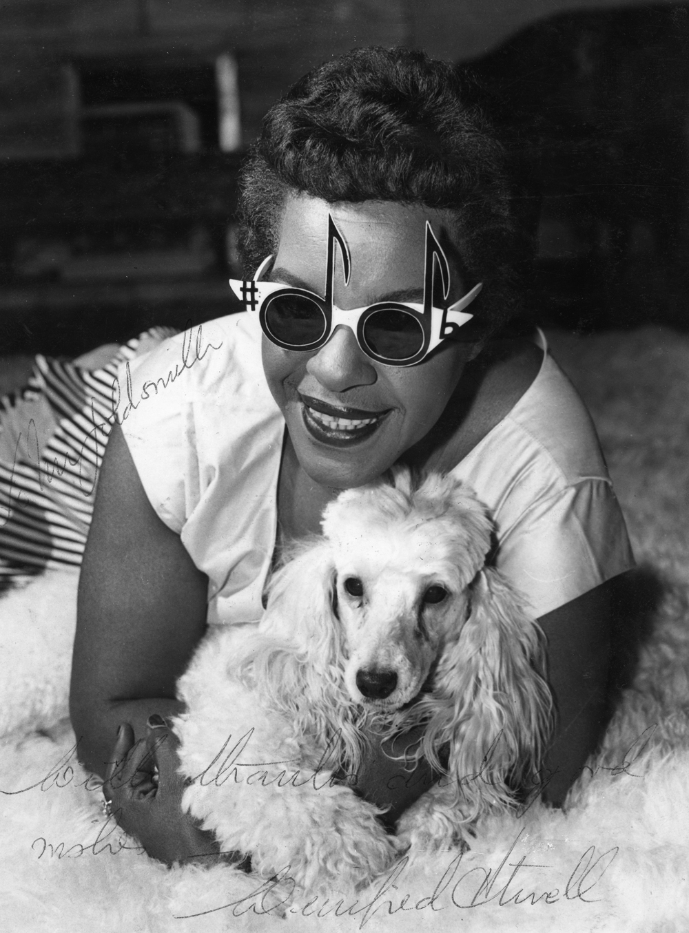 eyeglasses fashion dw86  Winifred Atwell wearing an Oliver Goldsmith design, 1964