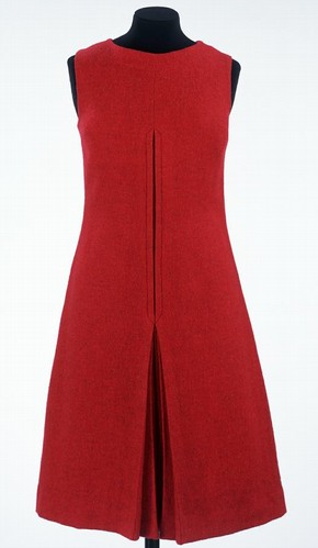 Sleeveless dress, Mary Quant, England, 1960. Museum no. T.27-1997