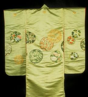 Kimono, Japan, 1820–60. Museum no. FE.11-1983. Room 45