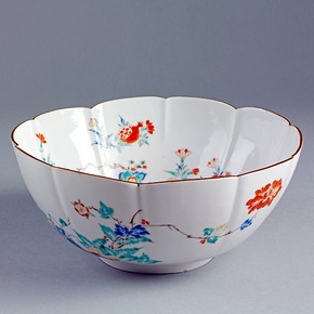 Kakiemon-style bowl, Arita, Japan, 1690-1720. Museum no. C.293-1910, © Victoria and Albert Museum, London