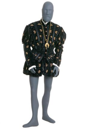 Costume for King Philip II of Spain in Giuseppe Verdi's 'Don Carlos', unknown maker, 1950. Museum no. S.2872-1986