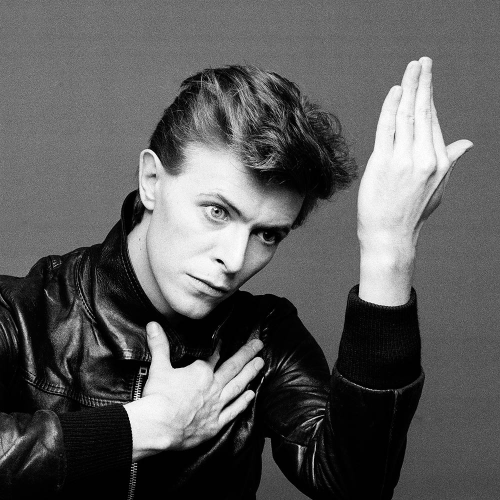 [Image: bowie_on_tour.jpg]