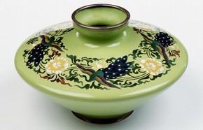 Vase, possibly Ando Company, Japan, 1912-26. Museum no. FE.9:1-2011