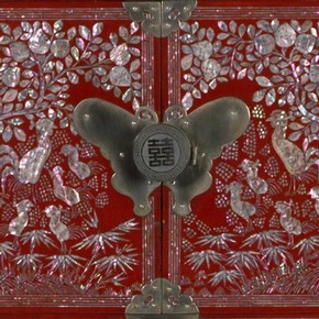 Detail of lacquer chest, Korea, about 1890-1910. Museum no. W.47-1912