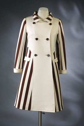 Coat, Andr Courrges, 1967. Museum no. T.102-1974