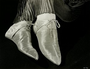 Ilse Bing, 'Shoes, for Harpers Bazaar', 1935. Museum no. E.3033-2004, © Estate of Ilse Bing Wolff