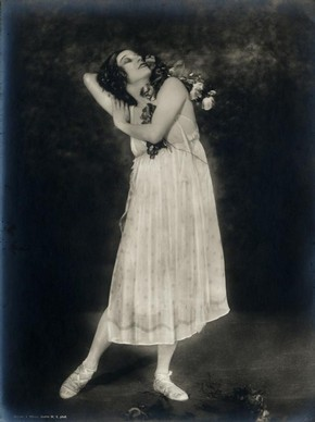 Anna Pavlova in Autumn Bacchanal, black and white photograph, about 1920